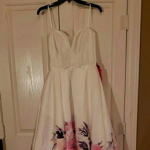Dresses & Skirts - New White Floral Prom Dress